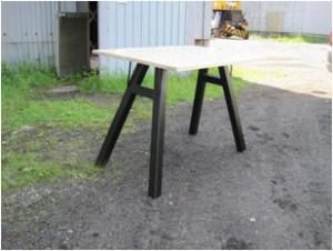 やぐら型内傾きテーブル鉄脚(全体)