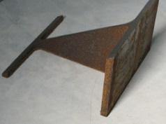 H型鋼を斜めに切ったものです_2